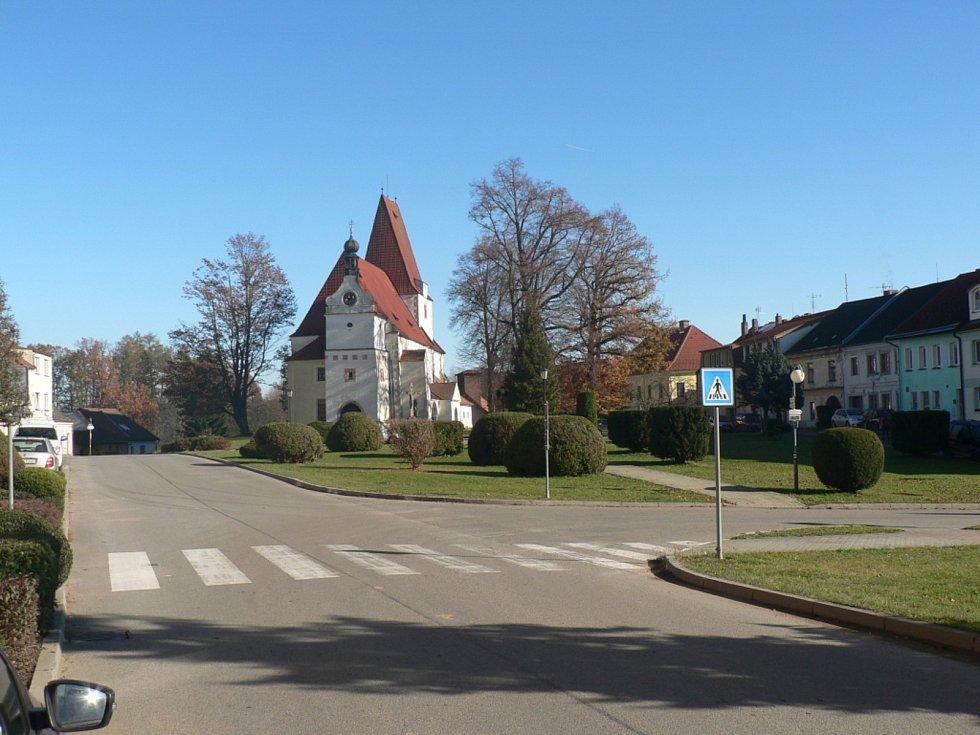 Nedělní ráno 8. 11. 2020 na Českobudějovicku za mimořádných opatření. Horní Stropnice.