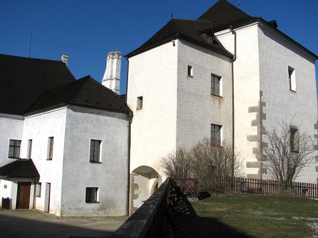 Státní hrad Nové Hrady patřil k hlavním středověkým pevnostem na česko – rakouském pomezí.