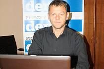 Michal Doktor v redakci Deníku.