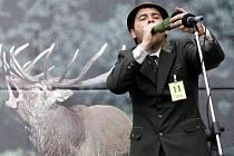Na loveckém zámečku Ohrada se v červnu opět uskuteční tradiční Národní myslivecké slavnosti, jejichž součástí je soutěž ve vábení jelenů.