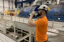 Ochranné nápoje dostanou zaměstnanci elektráren a distribuce nově v ekologických lahvích.