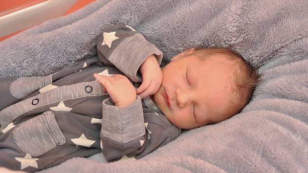 Kryštof Slíva z Plzně. Kryštof se narodil 26. 3. 2020 ve 20.21 hodin a jeho porodní váha byla 3 030 gramů. Chlapeček je prvorozený.
