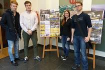 Čtveřice studentů ukázala, jak by bylo možné proměnit slepé rameno Malše. Zleva Tomáš Račák, Adam Pejchal, Andrea Matějková a Michal Fajtl