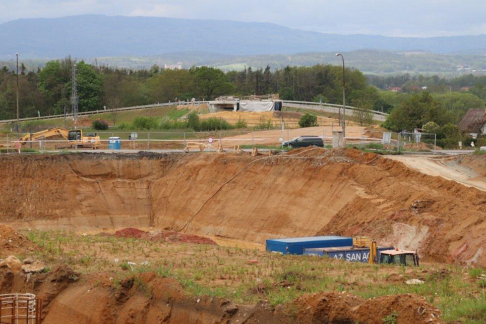 Výstavba dálnice v Českých Budějovicích u Nových Hodějovic