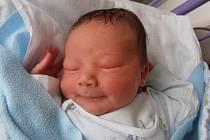 Prvorozený Michael Matoušek se pro svůj příchod na svět rozhodl v úterý 27.5.2014 v 10 hodin a 45 minut. 3,27 kg vážící chlapeček bude vyrůstat v obci Staňkov. Pyšnými rodiči jsou Ivana Opelková a Petr Matoušek.
