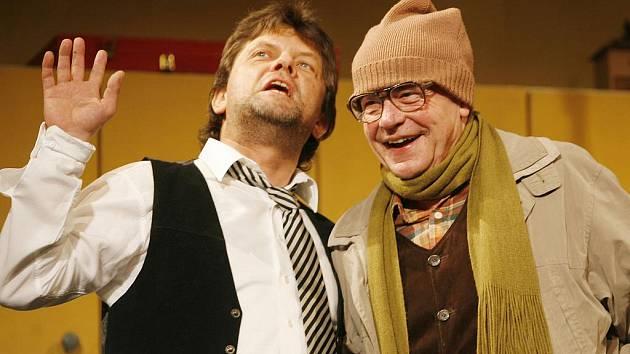 V pátek 22. října má v Jihočeském divadle premiéru hra Viliama Klimáčka Komunismus. V hlavní roli se představí Roman Nevěčný. Dále Hrají Jaroslava Červenková, Václav Liška, Petr Šporcl a Martin Hruška.