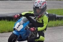 Adam Nejedlý patří k nejlepším závodníkům Smrž Academy.