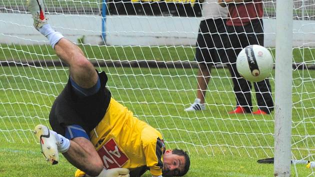 Dobrou formu potvrdili v Žirovnici oba brankáři vítězného Dynama, kteří v turnaji nedostali ani gól a každý z nich zazářil i v penaltovém rozstřelu: Pavel Kučera bravurně zneškodnil úvodní dvě penalty se Znojmem.