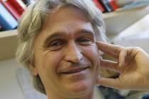 Budějovický parazitolog Julius Lukeš patří ke světovým kapacitám v oboru. Zkoumá hlavně spavou nemoc.