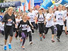 ÚČASTNICE. Kateřina Neumannová (zcela vlevo) a její dcera Lucie běhají  na půlmaratonech pravidelně.