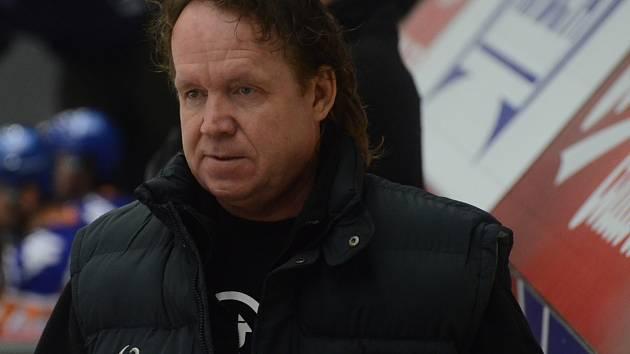KOUČ. Trenér Petr Rosol včera svůj tým k bodovému zisku proti Jihlavě nedovedl.
