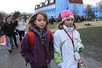 Děti budou muset dojíždět do jiných školy minimálně do jara.