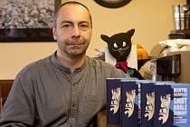 Vimperský rodák Martin Sichinger vydal dobrodružný román Duchové Šumavy.