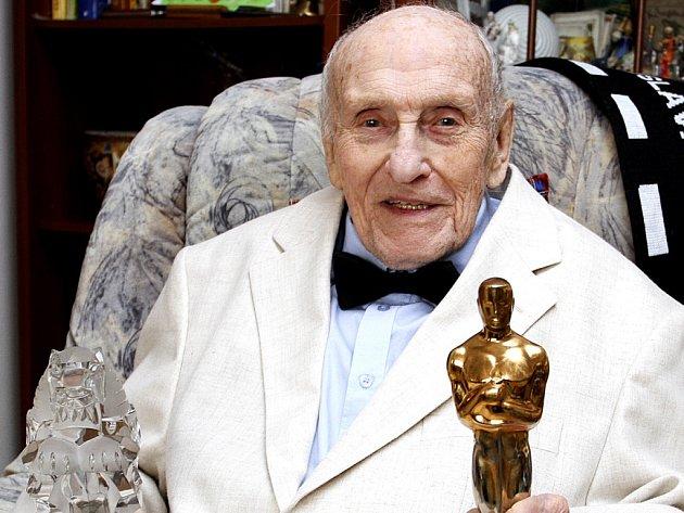 Ve věku 92 let zemřel 5. září 2014 filmový architekt Karel Černý, držitel Oscara za film Amadeus.
