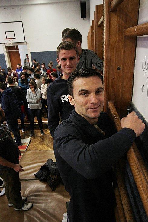Fotbalový kanonýr David Lafata v Gymnáziu Česká