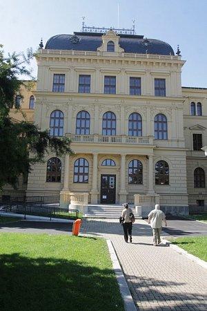 Po více než dvou letech se vpondělí 22.září otevře opravená budova Jihočeského muzea vČeských Budějovicích.