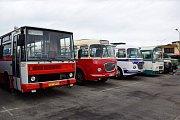 Dopravní podnik města České Budějovice otevřel brány návštěvníkům tuto sobotu. Městem projela spanilá jízda.