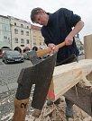 Velikonoční zvyky,tesání křížů na českobudějovickém náměstí