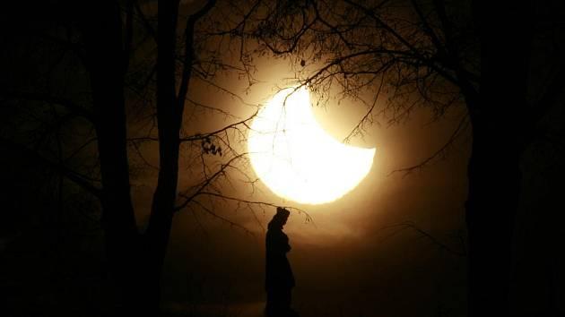 Částečné zatmění Slunce v Českých Budějovicích