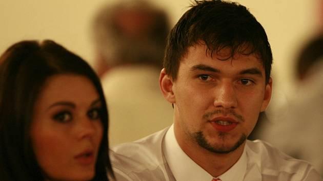 Jakub Kovář dorazil na vyhlášení ankety s přítelkyní Petrou.