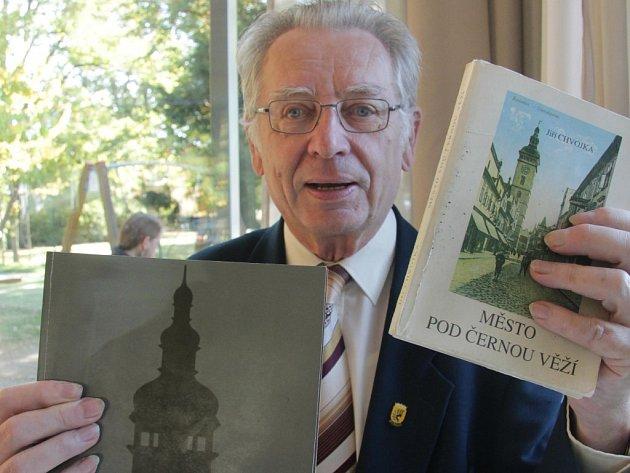 Jiří Chvojka sepsal už před lety historii Českých Budějovic - teď ji vydal znovu.
