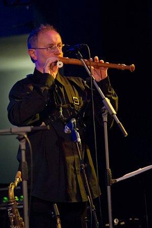 Skupina Spolektiv měla 22.listopadu 2014velký comebackový koncert včeskobudějovickém DK Metropol. Na snímku Antonín Vidlák.