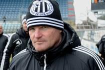 Devatenáctka Dynama v I. lize dorostu poté, co k týmu přišel trenér Pavol Švantner, oba své zápasy vyhrála.