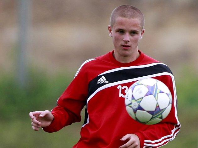 Jedinou novou tváří na zahajovacím tréninku Dynama byl devatenáctiletý slovenský záložník Jakub Hronec.