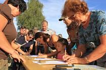 Proti stavbě mostu podepisovali odpůrci petice.