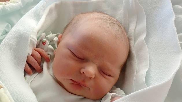 Šestiletý Lukáš bude celoživotním parťákem své sestře Lence Zádkové. Maminka Lenka Šperlová ji porodila 24. 1. 2018 v 9.39 h, Lenka vážila 3,28 kg. Vyroste v Českých Budějovicích.