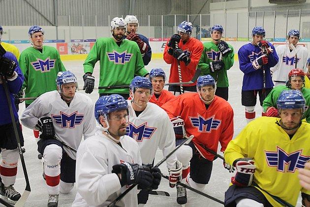 Hokejisté ČEZ Motoru jsou v plné přípravě.