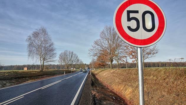 Omezení rychlosti mezi Češnovicemi a Němčicemi možná zmizí.