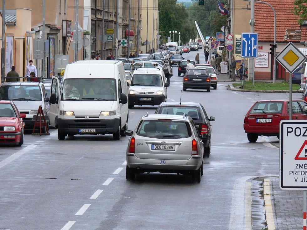 Ve čtvrtek 20. září se České Budějovice zapojí  do celoevropské osvětové akci Evropský den bez aut. Z tohoto důvodu bude tento den pro dopravu uzavřeno hlavní náměstí a městská hromadná doprava bude jezdit zdarma.