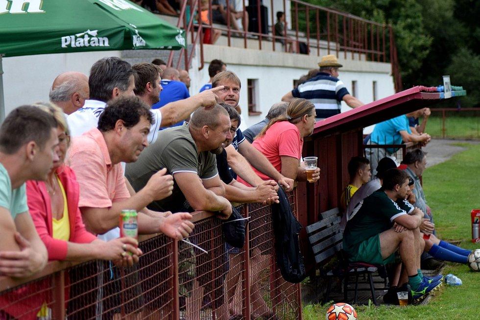 V Dívčicích se na sobotním memoriálu Václava Kuráže utkaly čtyři týmy.