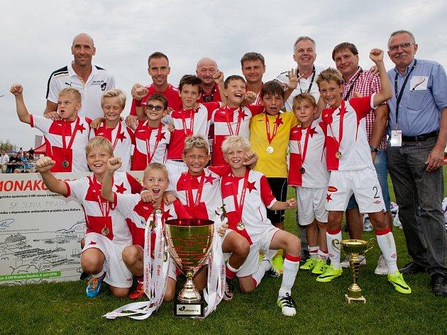 Jan Koller s vítězným týmem E.ON Junior Cupu 2016