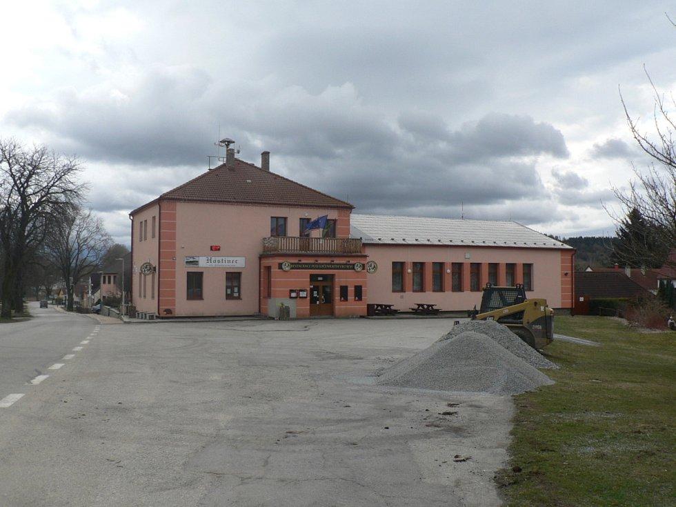 Restaurace Pod Ločenickým vrchem.