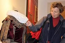 400 000. návštěvnicí výstavy Rok růže se ve středu v bechyňském městském muzeu stala Karla Hanáčková.