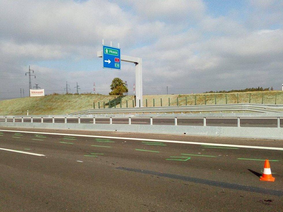 Nehoda dvou osobních vozidel komplikovala dopravu mezi Lišovem a Českými Budějovicemi.
