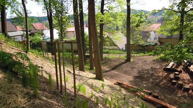 Odpočívat v upraveném parku mohou nejen občané hlinského sídliště.