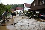Krupobití se přehnalo i přes Čkyni, kde museli zasahovat hasiči.