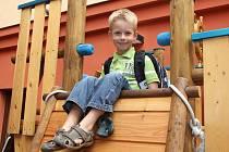 Domácích úkolů se budoucí prvňák Ondra Dušek nebojí. Co přesně ho ve škole čeká, ale zatím ještě neví.