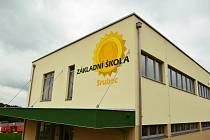 Na Srubci konečně mají školu. V sobotu si ji mohli místní prohlédnout
