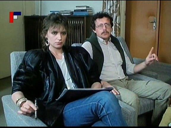 Záběr zfilmu Tichý společník, který se natáčel vČeských Budějovicích. Několik dialogů sIvanou Chýlkovou měl iKarel Červený