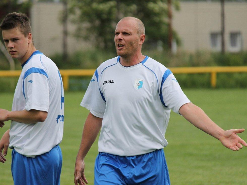 Není divu, že Zbyněk Rys není spokojen: Olešník nedal doma ani gól, se svými diváky se rozloučil porážkou od Bavorovic, které bojují o postup.