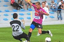 Fotbalisté Dynama Č. Budějovice v generálce na ligu zdolali v Písku béčko Sparty 2:0, šancí ale měli nespočet: v jedné z nich neuspěl sám před Machýnkem ani Jaroslav Hílek.