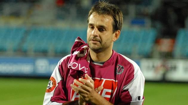 Z fotbalistů Dynama víc zápasů v I. lize než Tomáš Hunal neodehrál.