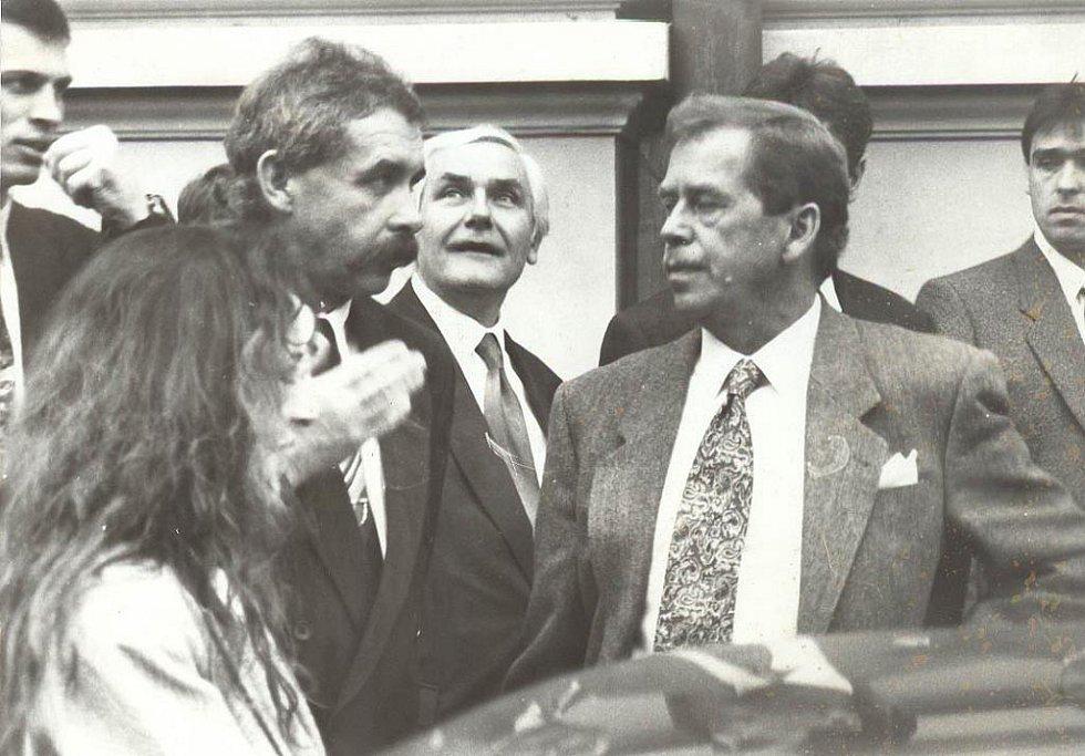 Václav Havel ve Strakonicích s tehdejším starostou města Josefem Štréblem.