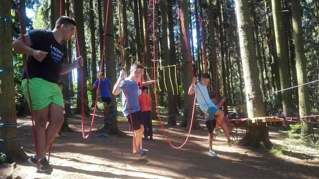 V Černé v Pošumaví si vyzkoušeli lanovou dráhou. Den předtím navštívili rakouskou rozhlednu Alpenblick.