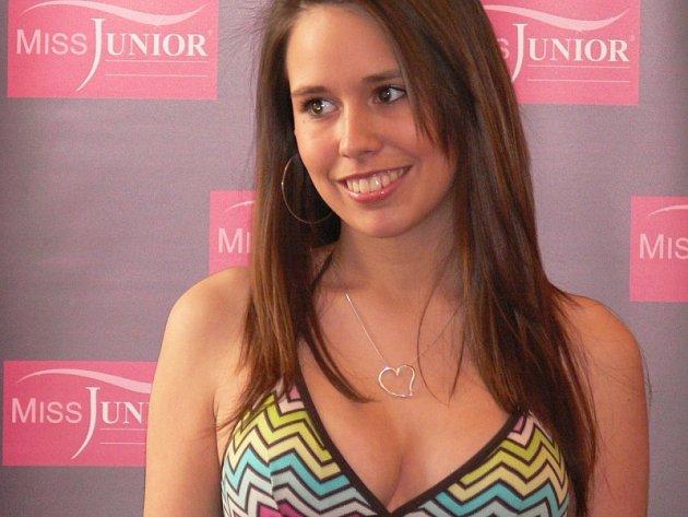 Také šestnáctiletá Vlaďka Čadková ze zúčastnila jihočeského castingu stále populárnější soutěže Miss Junior. Vlaďku nakonec porota poslala do dalších kol na divokou kartu.