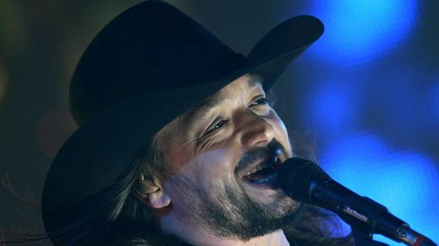 Wanastovy Vjecy včele s frontmanem Robertem Kodymem koncertovaly v pátek ve Sporotvní hale v Českých Budějovicích.